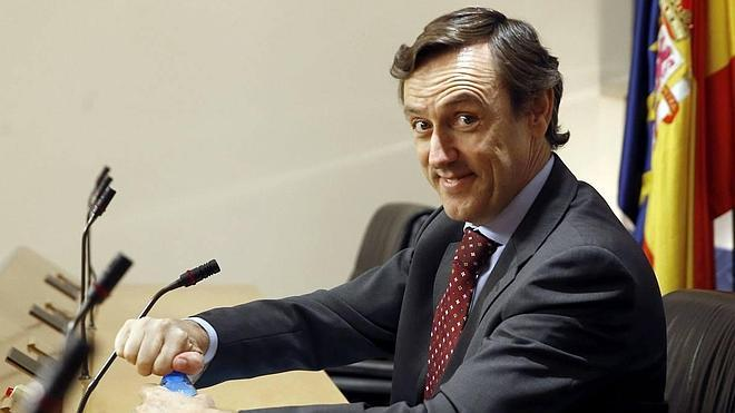 Hernando anima a «los que montan manifiestos» por el tren a votar al PP