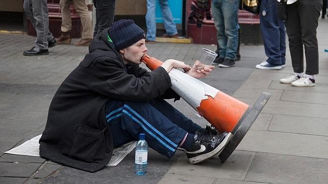 Multan a cuatro amigos con 12.000 euros por usar de trompeta varios conos de tráfico