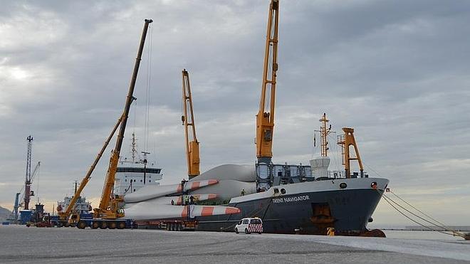El Puerto de Motril vuelve a crecer en volumen de mercancías hasta octubre