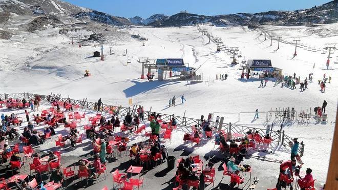 1.600 esquiadores en el primer fin de semana de la temporada