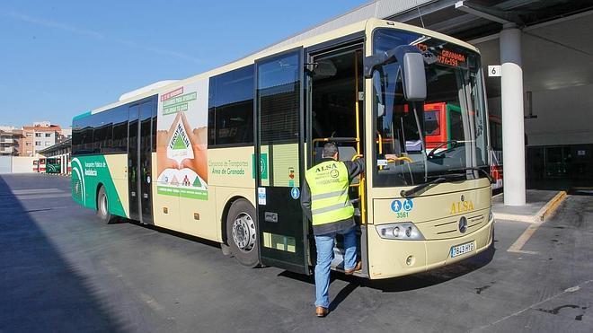 La nueva línea de bus al aeropuerto ampliará el servicio de 57 a 98 viajes semanales