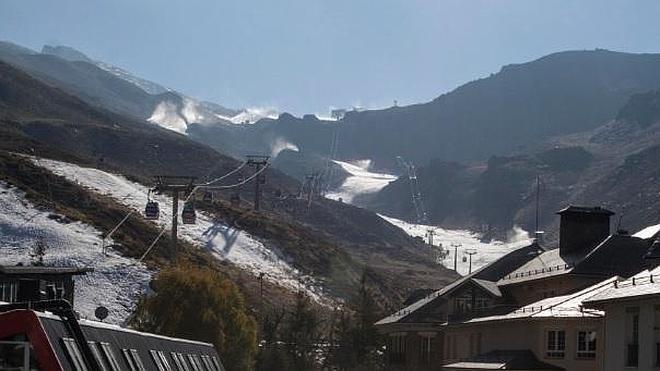 Sierra Nevada activa de nuevo los cañones de nieve