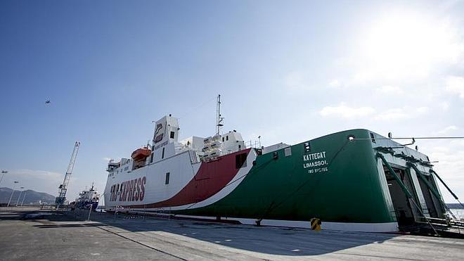 Motril aspira a consolidarse como el segundo puerto andaluz con la nueva línea de carga