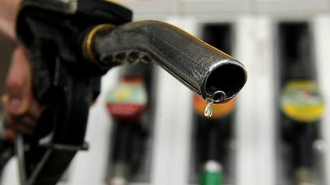 Diez euros menos por repostar diesel