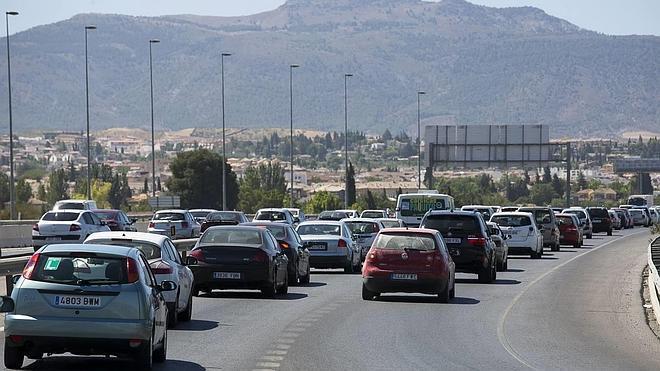 El abuso del coche colapsa el Cinturón, con 1,2 millones de desplazamientos diarios