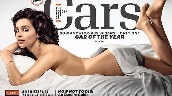Emilia Clarke Esta Soy Yo Desnuda Borracha Y Retocada Con