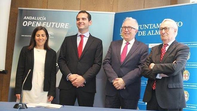 Junta, Consistorio y Telefónica firman juntos para fomentar el emprendimiento en la ciudad