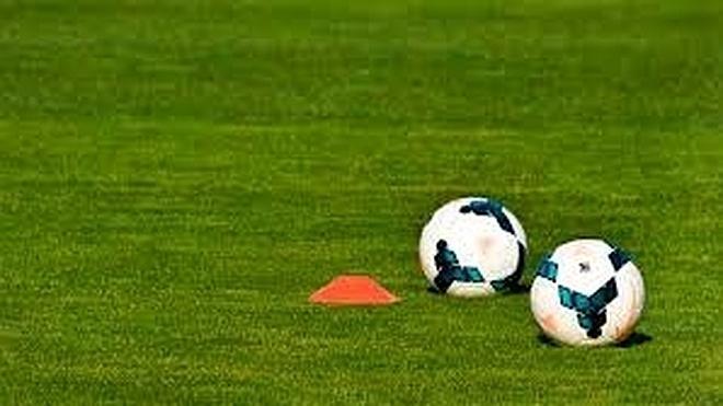 Muere un chico de 15 años en el descanso de un partido de fútbol