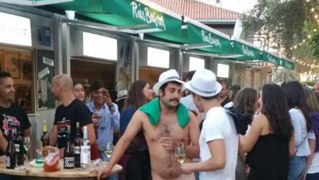 Desalojado por la Policía al ir desnudo a las fiestas de su pueblo