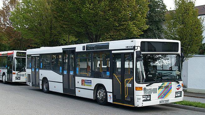 Un niño de 11 años roba un autobús en Alemania y engaña a todos los pasajeros