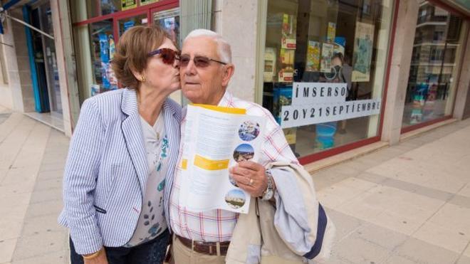 Un beso, una sonrisa y un viaje a Torremolinos