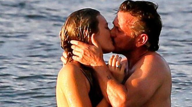 La novia de Sean Penn, 32 años menor que él, es hija de un famoso actor
