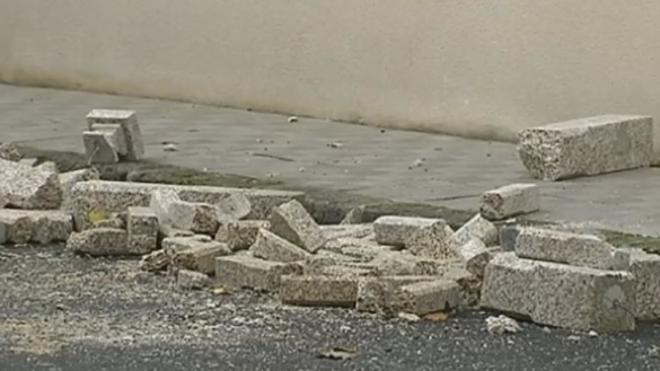Una chica muere tras caer el balcón en el que estaba fumando
