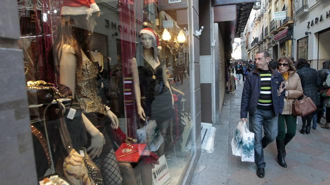 ¿Qué tiendas de Granada abren el puente de diciembre y los fines de semana en Navidad?