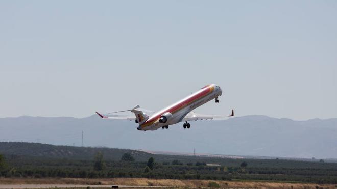 La difícil tarea de escapar de Granada por tierra y aire