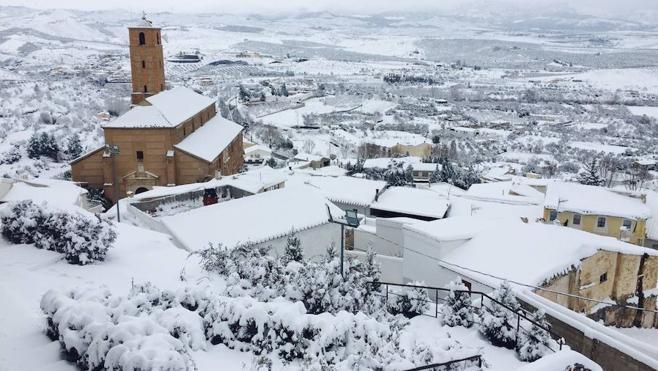 La ola de frío mantiene tres carreteras cortadas en Almería