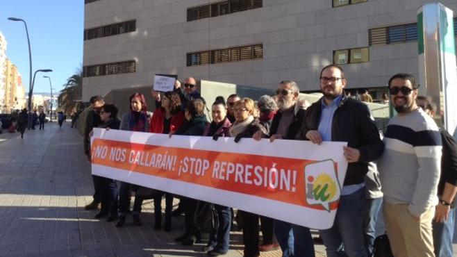 IU afea que Amat use abogados de Diputación para denunciar a miembros de la Corporación