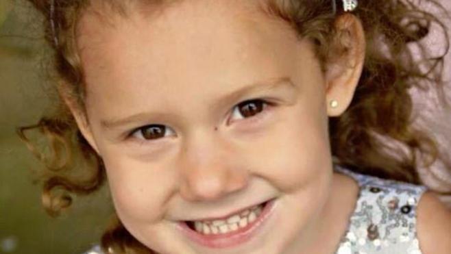 Una niña muere porque su médico se niega a atenderla al llegar 4 minutos tarde
