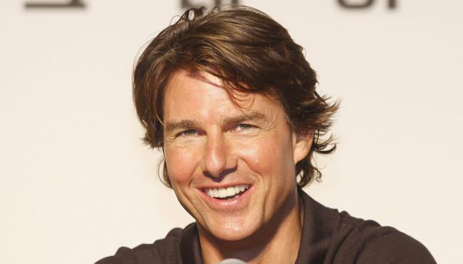 Tom Cruise estrena novia 25 años más joven