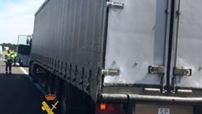 Investigan a un camionero almeriense por conducir con una tasa de alcohol siete veces superior a la permitida