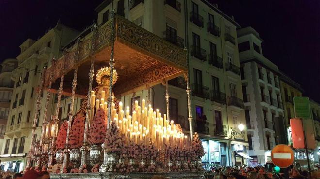 El Domingo de Ramos, al completo en las calles de Granada
