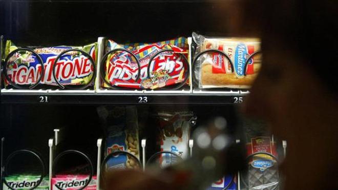 Tres hermanas irán a la cárcel por robar gusanitos, batidos y chocolatinas de una máquina