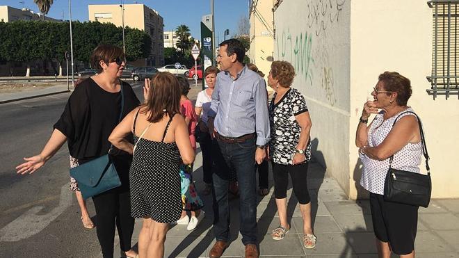 """El PSOE registra un dossier de """"deficiencias"""" en Las 500 Viviendas"""